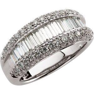 14K White 1 1/2 CTW Diamond Ring