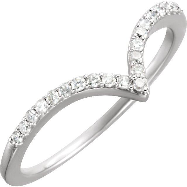 14K White 1/6 CTW Diamond V Ring Size 7