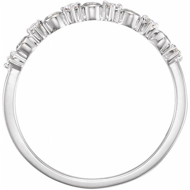 14K White 1/10 CTW Diamond Ring Size 7