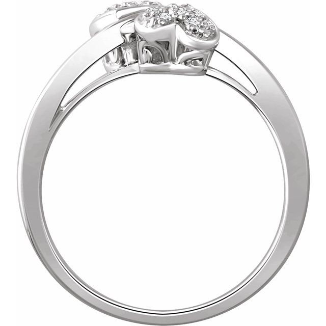10K White 1/10 CTW Diamond Heart Promise Ring