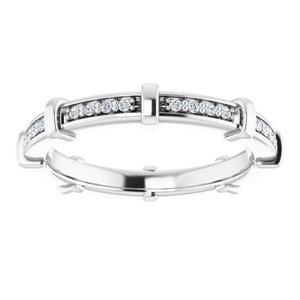 https://meteor.stullercloud.com/das/72330950?obj=metals&obj.recipe=white&obj=stones/diamonds/g_Accent&$standard$