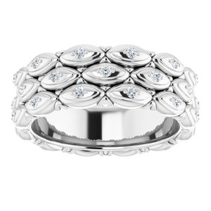 https://meteor.stullercloud.com/das/72341755?obj=metals&obj.recipe=white&obj=stones/diamonds/g_Accent&$standard$