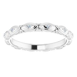 https://meteor.stullercloud.com/das/72346895?obj=metals&obj.recipe=white&obj=stones/diamonds/g_Accent&$standard$