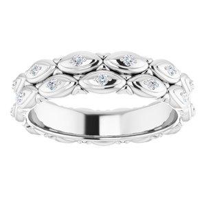 https://meteor.stullercloud.com/das/72379191?obj=metals&obj.recipe=white&obj=stones/diamonds/g_Accent&$standard$
