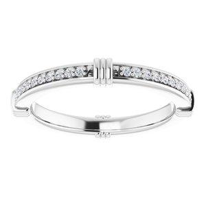 https://meteor.stullercloud.com/das/72451844?obj=metals&obj.recipe=white&obj=stones/diamonds/g_Accent&$standard$