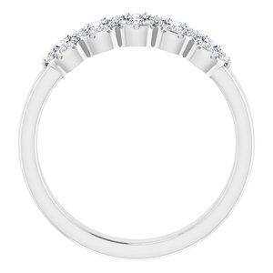 https://meteor.stullercloud.com/das/72867986?obj=metals&obj.recipe=white&obj=stones/diamonds/g_Center&obj=stones/diamonds/g_Side%201&obj=stones/diamonds/g_Side%202&obj=stones/diamonds/g_Halo&obj=stones/diamonds/g_Halo%201&obj=stones/diamonds/g_Halo%202&$standard$