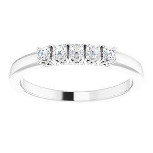 https://meteor.stullercloud.com/das/72887887?obj=metals&obj.recipe=white&obj=stones/diamonds/g_Center&$standard$