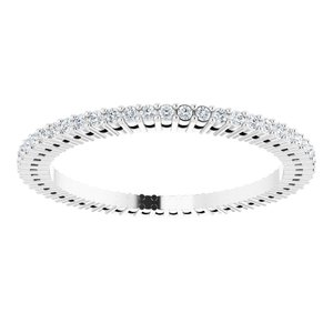 https://meteor.stullercloud.com/das/72987254?obj=metals&obj.recipe=white&obj=stones/diamonds/g_Accent&$standard$