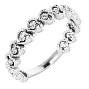 14K White 1/8 CTW Diamond Accented Heart Anniversary Band
