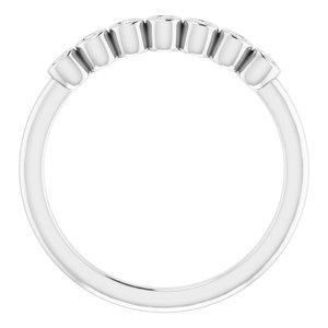 https://meteor.stullercloud.com/das/73126267?obj=metals&obj.recipe=white&obj=stones/diamonds/g_Accent&$standard$