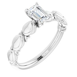 Vyrezávaný zásnubný prsteň