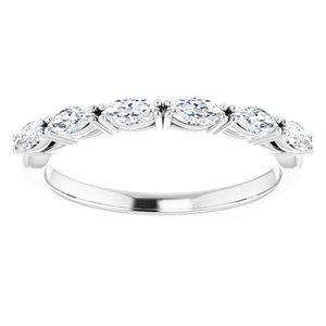 https://meteor.stullercloud.com/das/73178972?obj=metals&obj.recipe=white&obj=stones/diamonds/g_Accent&$standard$