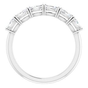 https://meteor.stullercloud.com/das/73179188?obj=metals&obj.recipe=white&obj=stones/diamonds/g_Accent&$standard$