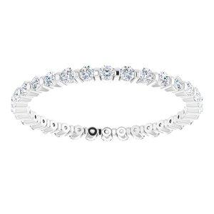 https://meteor.stullercloud.com/das/73183085?obj=metals&obj.recipe=white&obj=stones/diamonds/g_Accent&$standard$