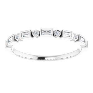 https://meteor.stullercloud.com/das/73187036?obj=metals&obj.recipe=white&obj=stones/diamonds/g_Accent%201&obj=stones/diamonds/g_Accent%202&$standard$