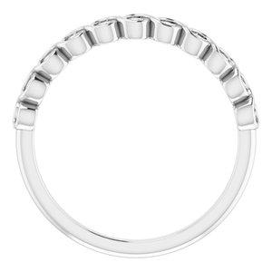 https://meteor.stullercloud.com/das/73201156?obj=metals&obj.recipe=white&obj=stones/diamonds/g_Accent&$standard$