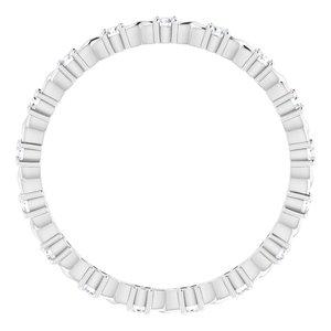 https://meteor.stullercloud.com/das/73201649?obj=metals&obj.recipe=white&obj=stones/diamonds/g_Accent&$standard$
