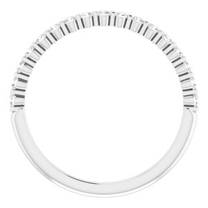 https://meteor.stullercloud.com/das/73210391?obj=metals&obj.recipe=white&obj=stones/diamonds/g_Accent&$standard$