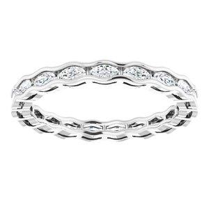 https://meteor.stullercloud.com/das/73251219?obj=metals&obj.recipe=white&obj=stones/diamonds/g_Accent&$standard$