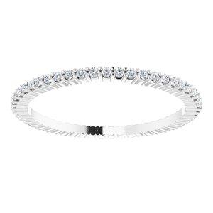 https://meteor.stullercloud.com/das/73256338?obj=metals&obj.recipe=white&obj=stones/diamonds/g_Accent&$standard$
