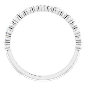 https://meteor.stullercloud.com/das/73363129?obj=metals&obj.recipe=white&obj=stones/diamonds/g_Accent%201&obj=stones/diamonds/g_Accent%202&$standard$