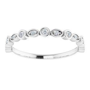 https://meteor.stullercloud.com/das/73363724?obj=metals&obj.recipe=white&obj=stones/diamonds/g_Accent%201&obj=stones/diamonds/g_Accent%202&$standard$