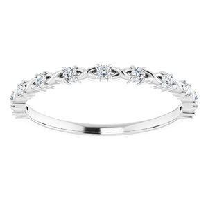 https://meteor.stullercloud.com/das/73364007?obj=metals&obj.recipe=white&obj=stones/diamonds/g_Accent&$standard$