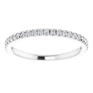 https://meteor.stullercloud.com/das/73371347?obj=metals&obj.recipe=white&obj=stones/diamonds/g_Accent&$standard$