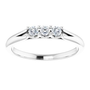 https://meteor.stullercloud.com/das/73395326?obj=metals&obj.recipe=white&obj=stones/diamonds/g_Center%201&obj=stones/diamonds/g_Center%202&obj=stones/diamonds/g_Center%203&$standard$