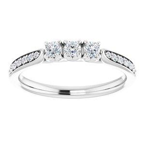 https://meteor.stullercloud.com/das/73395957?obj=metals&obj.recipe=white&obj=stones/diamonds/g_Center%201&obj=stones/diamonds/g_Center%202&obj=stones/diamonds/g_Center%203&obj=stones/diamonds/g_Accent&$standard$