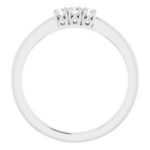 https://meteor.stullercloud.com/das/73397119?obj=metals&obj.recipe=white&obj=stones/diamonds/g_Center%201&obj=stones/diamonds/g_Center%202&obj=stones/diamonds/g_Center%203&$standard$