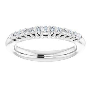 https://meteor.stullercloud.com/das/73398819?obj=metals&obj.recipe=white&obj=stones/diamonds/g_Accent&$standard$