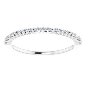 https://meteor.stullercloud.com/das/73455950?obj=metals&obj.recipe=white&obj=stones/diamonds/g_Accent&$standard$