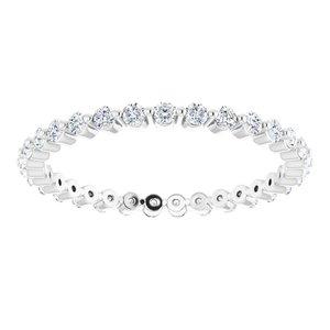 https://meteor.stullercloud.com/das/73470136?obj=metals&obj.recipe=white&obj=stones/diamonds/g_Accent&$standard$