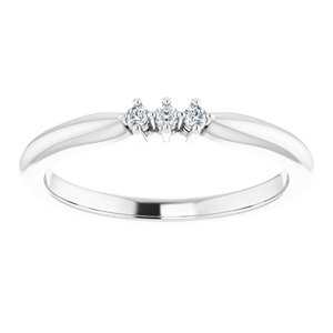 https://meteor.stullercloud.com/das/73532063?obj=metals&obj.recipe=white&obj=stones/diamonds/g_Center%201&obj=stones/diamonds/g_Center%202&obj=stones/diamonds/g_Center%203&$standard$