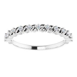 https://meteor.stullercloud.com/das/73557035?obj=metals&obj.recipe=white&obj=stones/diamonds/g_Accent&$standard$