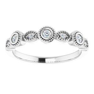 https://meteor.stullercloud.com/das/73669702?obj=metals&obj.recipe=white&obj=stones/diamonds/g_Center%201&obj=stones/diamonds/g_Center%202&obj=stones/diamonds/g_Center%203&obj=stones/diamonds/g_Accent&$standard$