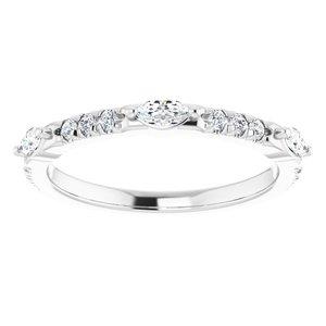 https://meteor.stullercloud.com/das/73677261?obj=metals&obj.recipe=white&obj=stones/diamonds/g_Center%201&obj=stones/diamonds/g_Center%202&obj=stones/diamonds/g_Center%203&obj=stones/diamonds/g_Accent&$standard$