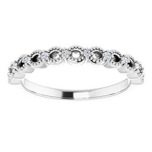 https://meteor.stullercloud.com/das/73956065?obj=metals&obj.recipe=white&obj=stones/diamonds/g_Accent&$standard$