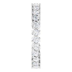 https://meteor.stullercloud.com/das/79088926?obj=metals&obj.recipe=white&obj=stones/diamonds/g_Accent&$standard$