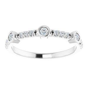 https://meteor.stullercloud.com/das/80297560?obj=metals&obj.recipe=white&obj=stones/diamonds/g_Center%201&obj=stones/diamonds/g_Center%202&obj=stones/diamonds/g_Center%203&obj=stones/diamonds/g_Accent&$standard$