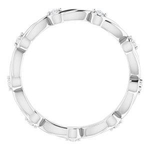 https://meteor.stullercloud.com/das/80504215?obj=metals&obj.recipe=white&obj=stones/diamonds/g_Accent&$standard$