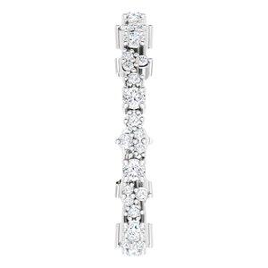 https://meteor.stullercloud.com/das/80787539?obj=metals&obj.recipe=white&obj=stones/diamonds/g_Accent%201&obj=stones/diamonds/g_Accent%202&$standard$