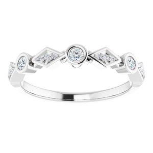 https://meteor.stullercloud.com/das/83969271?obj=metals&obj.recipe=white&obj=stones/diamonds/g_Center%201&obj=stones/diamonds/g_Center%202&obj=stones/diamonds/g_Center%203&obj=stones/diamonds/g_Accent&$standard$