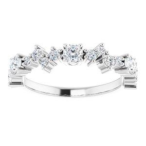 https://meteor.stullercloud.com/das/84509010?obj=metals&obj.recipe=white&obj=stones/diamonds/g_Center%201&obj=stones/diamonds/g_Center%202&obj=stones/diamonds/g_Center%203&obj=stones/diamonds/g_Accent&$standard$