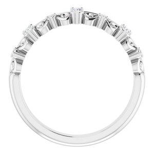 https://meteor.stullercloud.com/das/84773795?obj=metals&obj.recipe=white&obj=stones/diamonds/g_Center%201&obj=stones/diamonds/g_Center%202&obj=stones/diamonds/g_Center%203&obj=stones/diamonds/g_Accent&$standard$