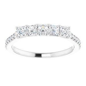https://meteor.stullercloud.com/das/93814559?obj=metals&obj.recipe=white&obj=stones/diamonds/g_Center&obj=stones/diamonds/g_Side&obj=stones/diamonds/g_Accent&$standard$