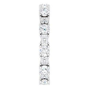 https://meteor.stullercloud.com/das/95534948?obj=metals&obj.recipe=white&obj=stones/diamonds/g_Center&obj=stones/diamonds/g_Accent&$standard$
