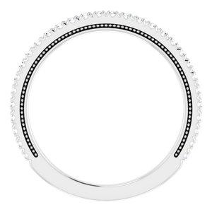 https://meteor.stullercloud.com/das/96719054?obj=metals&obj.recipe=white&obj=stones/diamonds/g_Accent&$standard$